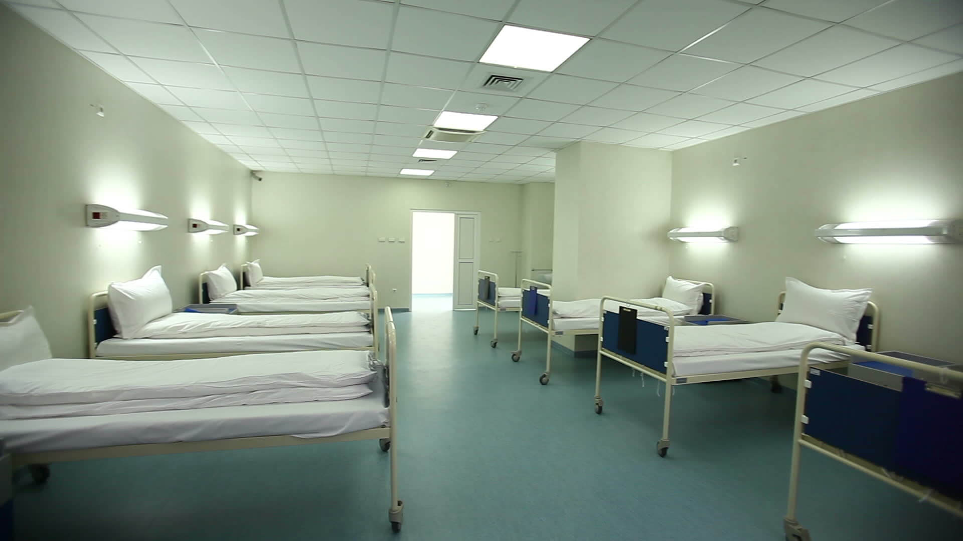 empty-hospital-room-showing-bed