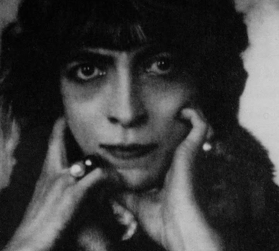 marchesa-casati-italian-fashion-icon-maya.bg